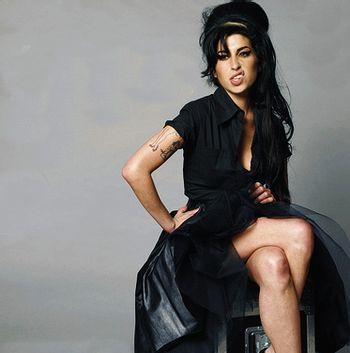 https://mediaproxy.tvtropes.org/width/350/https://static.tvtropes.org/pmwiki/pub/images/Amy_Winehouse_sn_5937.jpg