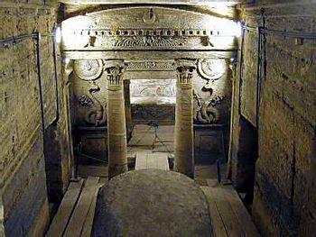 https://mediaproxy.tvtropes.org/width/350/https://static.tvtropes.org/pmwiki/pub/images/egyptian-tomb11_7753.jpg