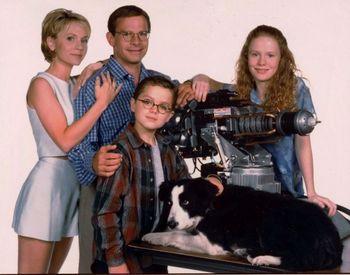 https://mediaproxy.tvtropes.org/width/350/https://static.tvtropes.org/pmwiki/pub/images/honey_i_shrunk_the_kids_peter_scolari_original_8x10_photo_h4555.JPG