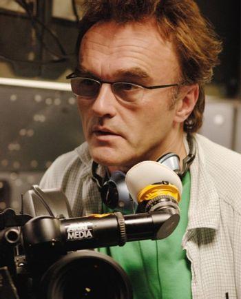 https://mediaproxy.tvtropes.org/width/350/https://static.tvtropes.org/pmwiki/pub/images/slumdog-millionaire-director-danny-boyle.jpg